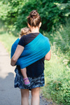 Kleinkind tragen im Ringsling Didysling Smaragd