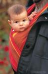 Baby im Tragetuch (Didymos)